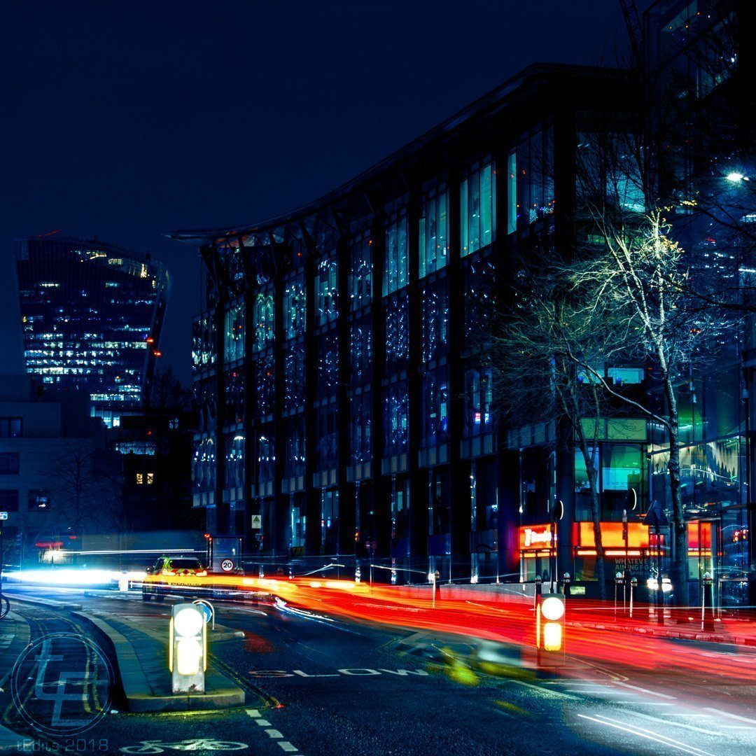 Long exposure of a police chase near 20 Fenchurch Street